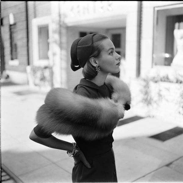 http://www.ricecracker.net/files/blog_images/gordonparks_furs4_large.jpg