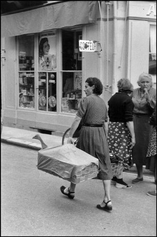 DORDOGNE, France—Le Bugue, 1956. © Henri Cartier-Bresson / Magnum Photos