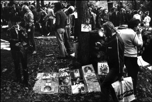CZECHOSLOVAKIA—In a wood near Prague, the sale of pop records on a Sunday, 1981. © Martine Franck / Magnum Photos