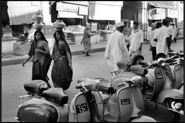 AHMEDABAD, GUJARAT, India—The Rangwala retail and wholesale cloth market, 1966. © Henri Cartier-Bresson / Magnum Photos