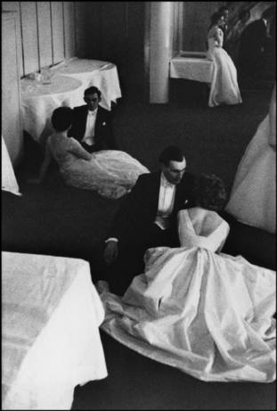 LONDONQueen Charlotte's Ball, 1959.  Henri Cartier-Bresson / Magnum Photos