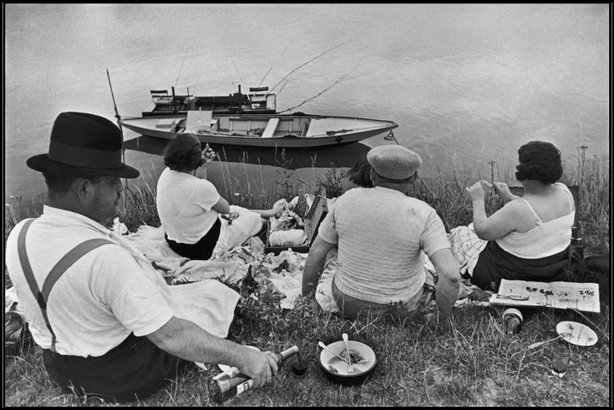 FRANCE—Sunday on the banks of the River Marne, 1938. © Henri Cartier-Bresson / Magnum Photos