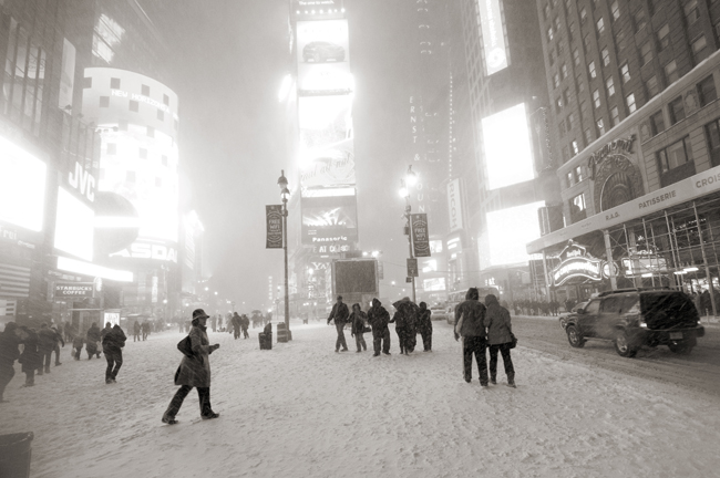 Times Square, Blizzard 12/19/2009 © Doug Kim