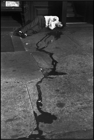 NEW YORK—The Bowery, 1947. © Henri Cartier-Bresson / Magnum Photos
