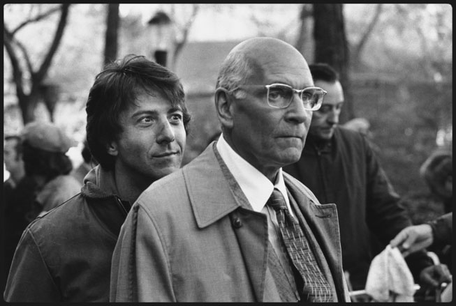 Dustin Hoffman sneaks up on Lawrence Olivier on the set of John Schlesinger's Marathon Man (1976) in New York's Central Park. Mary Ellen Mark