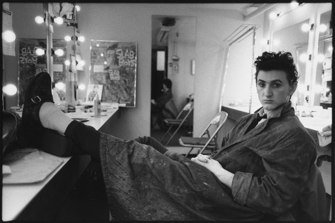Sean Penn in his dressing room for the Broadway play Slab Boys, Manhattan, 1983. Mary Ellen Mark