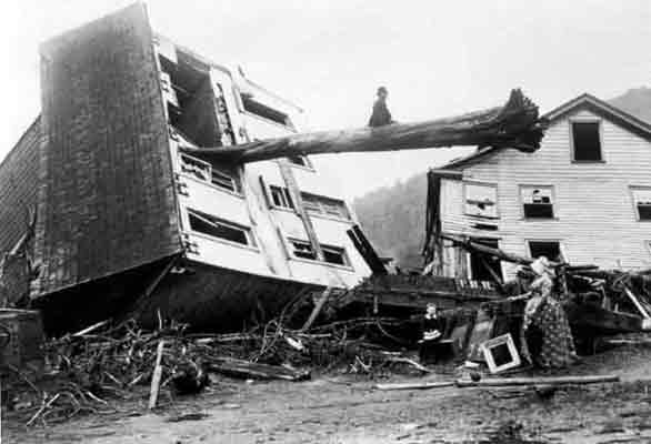 The aftermath of the Johnstown flood of 1889 © the Johnstown Area Heritage Association