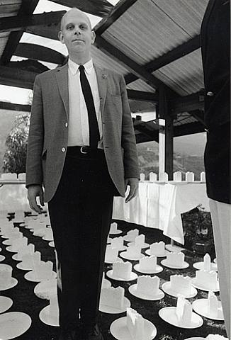 Claes Oldenburg (Portrait with Cake Slices), 1965 © Dennis Hop