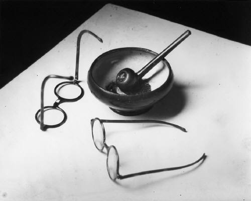 Mondrian's Glasses and Pipe, Paris, 1926 © Estate of André Kertész