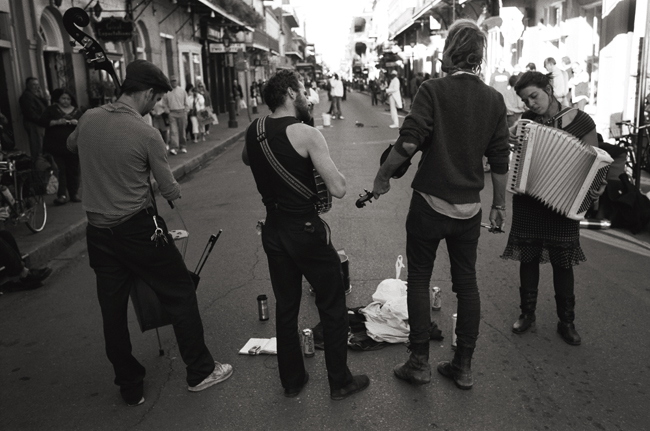 Buskers, French Quarter, New Orleans; Leica M6 TTL 0.58, 35mm Summicron, Kodak Tri-X © Doug Kim