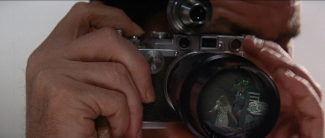 Jack Nicholson using a Leica III/A and VIDOM finder in Roman Polanski's Chinatown 1974