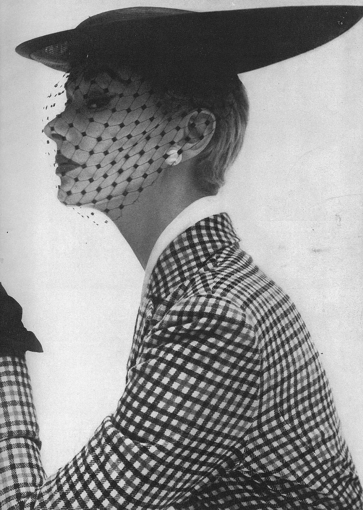 Lisa Fonssagrives-Penn, February Vogue © Irving Penn, 1950