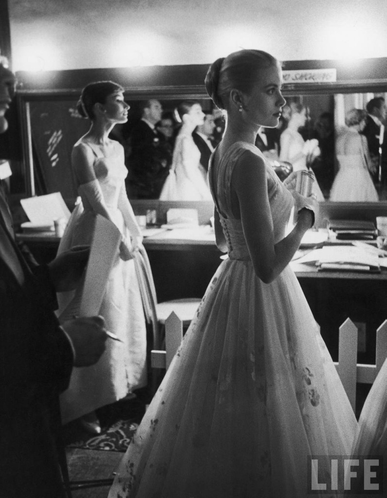 Audrey Hepburn and Grace Kelly © Allan Grant, Life Magzine, March 21, 1956