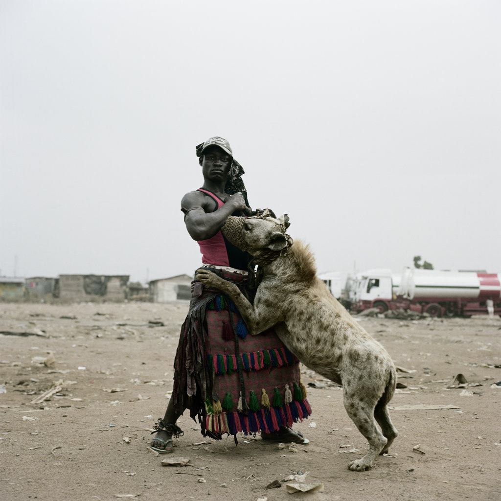 Abdullahi Mohammed with Gumu, Ogere-Remo, Nigeria, 2007 by Pieter Hugo
