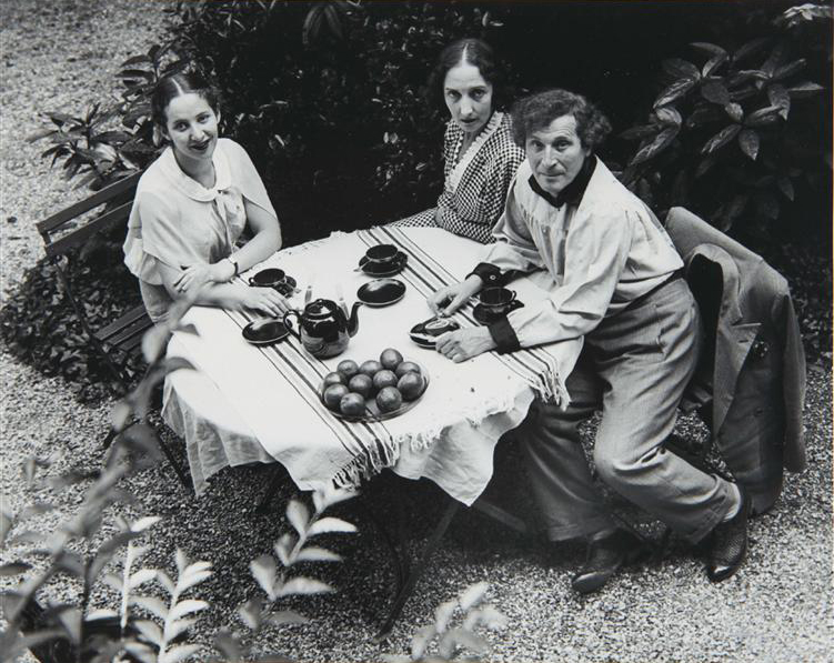 Chagall Family, Paris, 1933  Andr Kertsz