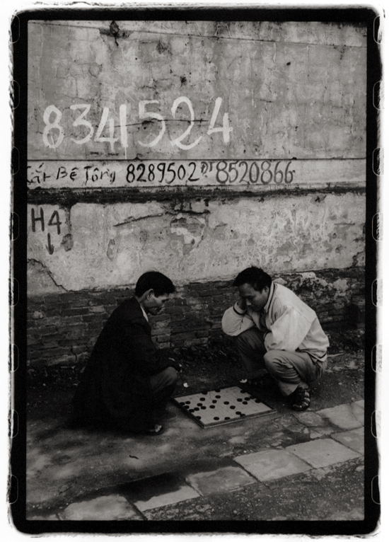 Chess, Hanoi, Vietnam; Nikon N90, 28-70mm Nikkor, Agfa APX 400, printed on Agfa 111