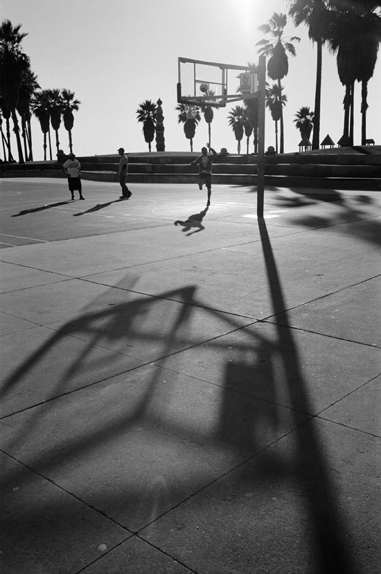 Venice Beach, Los Angeles © Doug Kim, Leica MP 0.58, 35mm Summicron, Kodak Tri-X