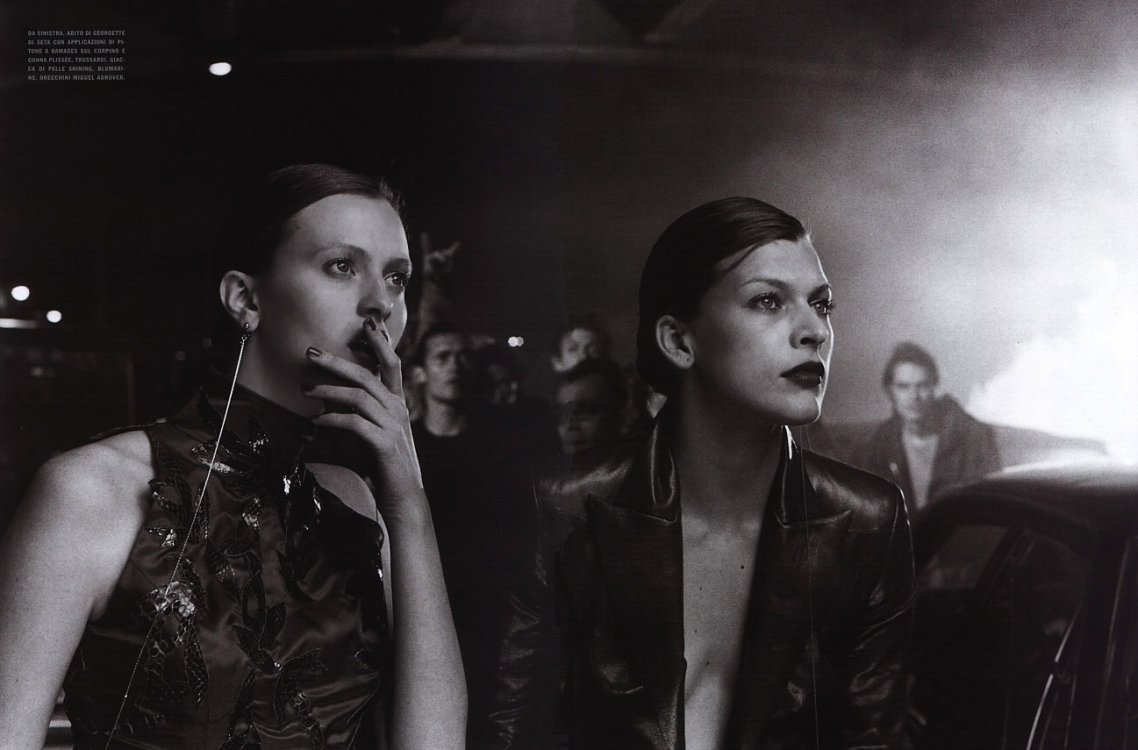 "Karen Elson and Milla Jovovich in ""L.A. Report"" for Vogue Italia, October 2000 © Peter Lindbergh"
