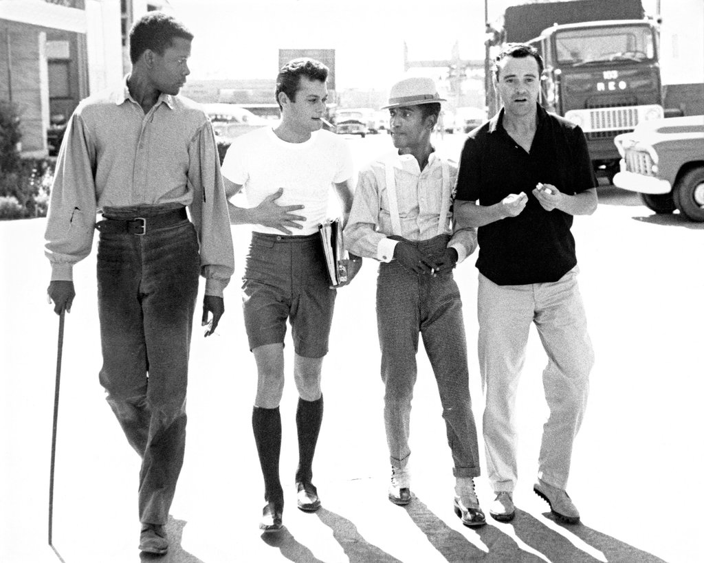 Sidney Poiter, Tony Curtis, Sammy Davis, Jr., and Jack Lemmon on the lot of Goldwyn Studios, 1959 © Phil Stern
