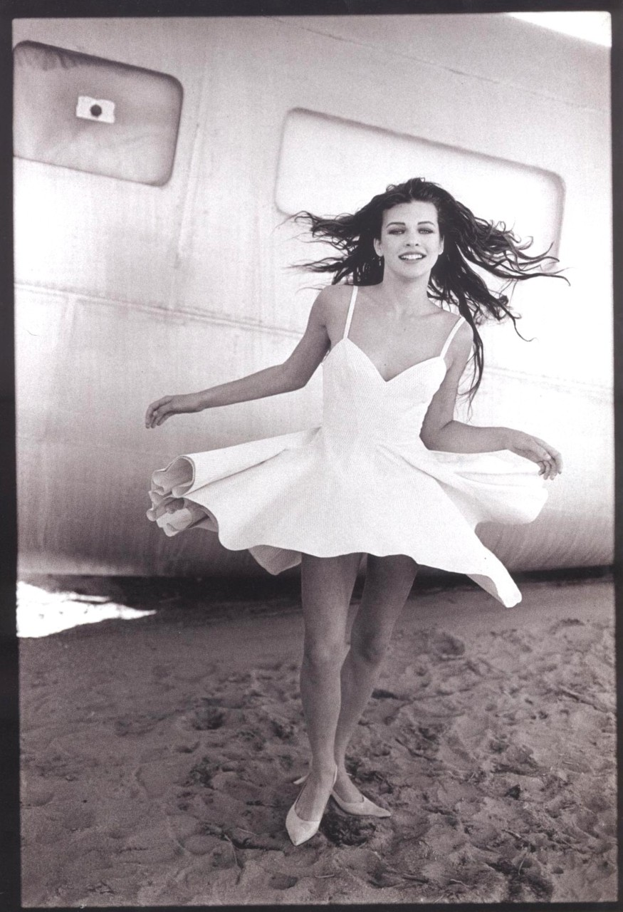 Milla Jovovich, Vogue Paris, 1990 © Peter Lindbergh