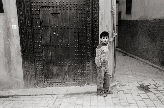 The Andalusian Quarter, Fez, Morocco; Leica MP 0.58, 35mm Summicron, Kodak Tri-X © Doug Kim