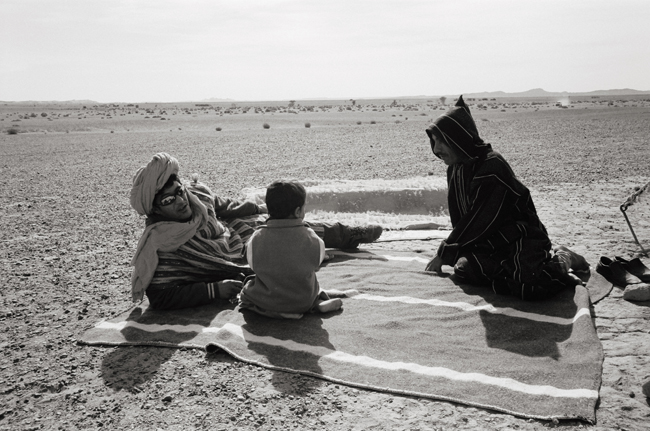 Mama Wahdi and Lahzit, Tir Haal, Sahara, Morocco; Leica MP 0.58, 35mm Summicron, Kodak Tri-X  Doug Kim