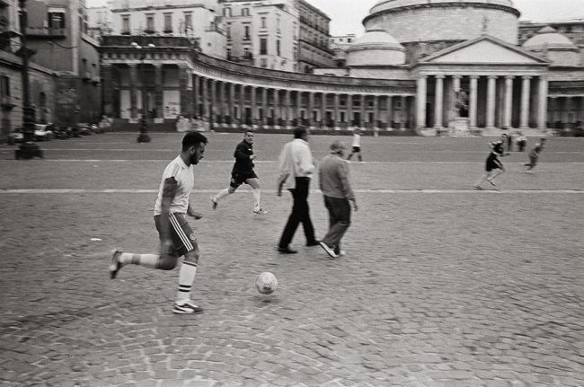 Piazza del Plebiscito; Leica MP 0.58, 35mm Summicron, Kodak Tri-X © Doug Kim