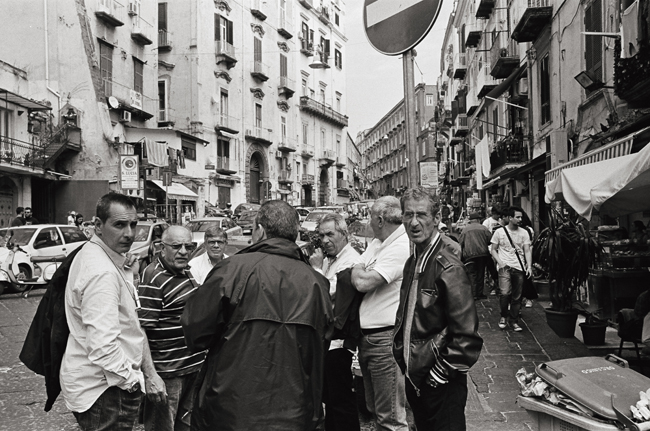 Montesanto, Napoli; Leica MP 0.58, 35mm Summicron, Kodak Tri-X © Doug Kim