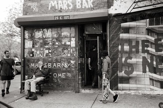 Mars Bar, East Village; Leica MP 0.58, 35mm Summicron, Kodak Tri-X © Doug Kim