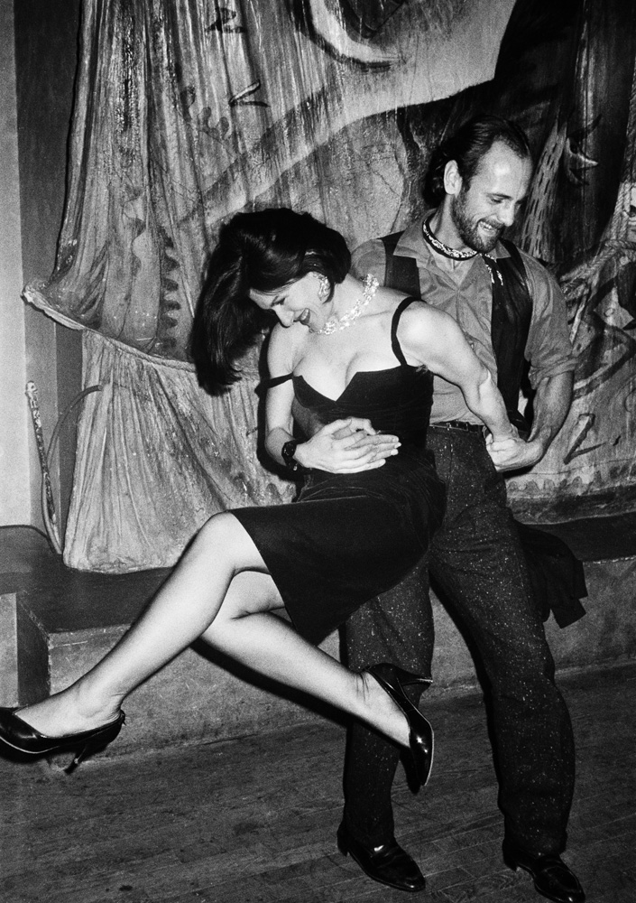 Paloma Picasso and Xavier de Castella at Le Privilege, Paris, 1983 © Roxanne Lowit