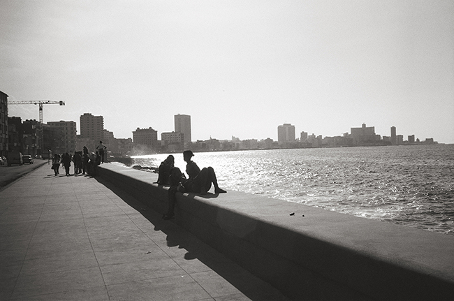 The Malecón, Havana, Cuba; Leica MP 0.58, 35mm Summicron, Kodak Tri-X © Doug Kim