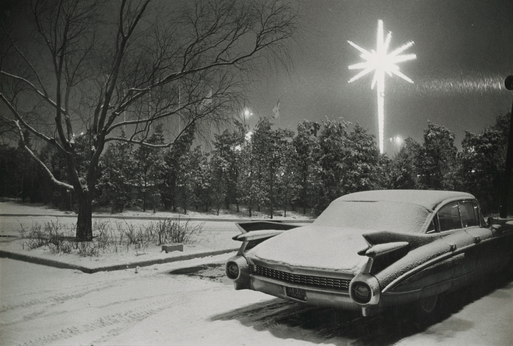 Christmas at Kennedy Airport, 1968 © Joel Meyerowitz