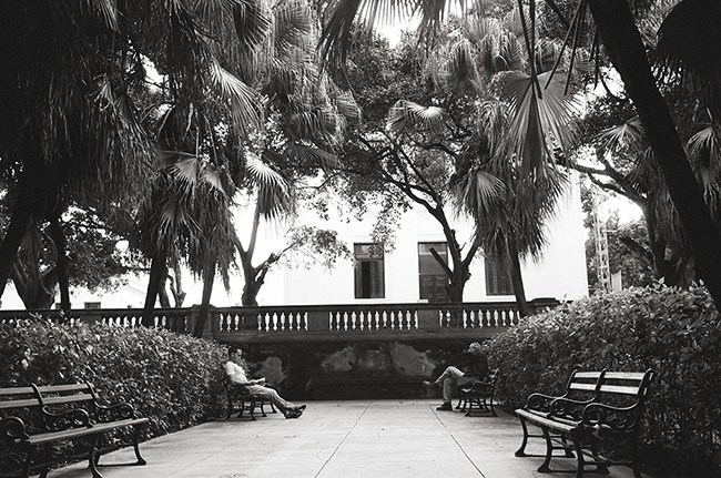 Universidad de La Habana, Havana, Cuba; Leica MP 0.58, 35mm Summicron, Kodak Tri-X © Doug Kim