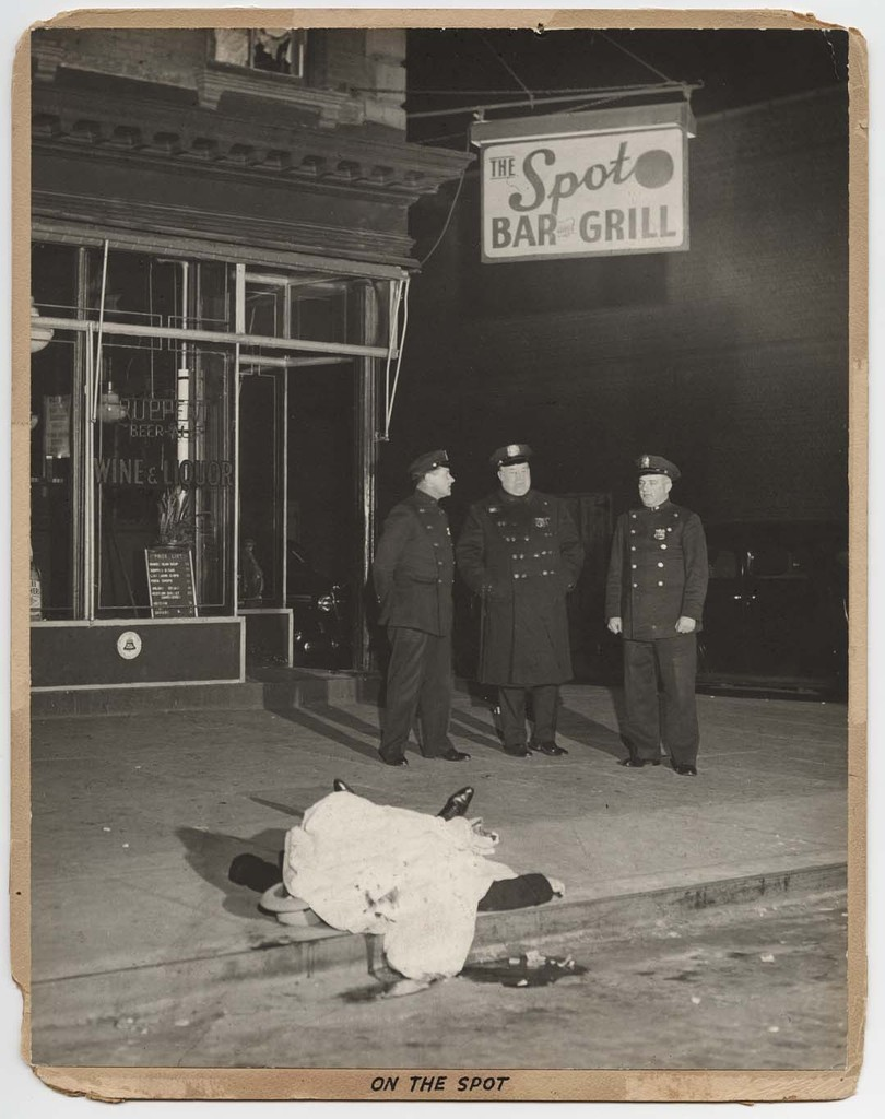 On the Spot, December 9, 1939 © Weegee
