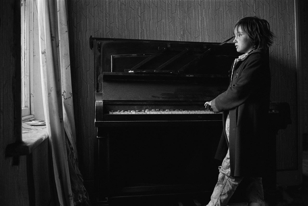 Heather Playing Piano 1971 © Sirkka-Liisa Konttinen