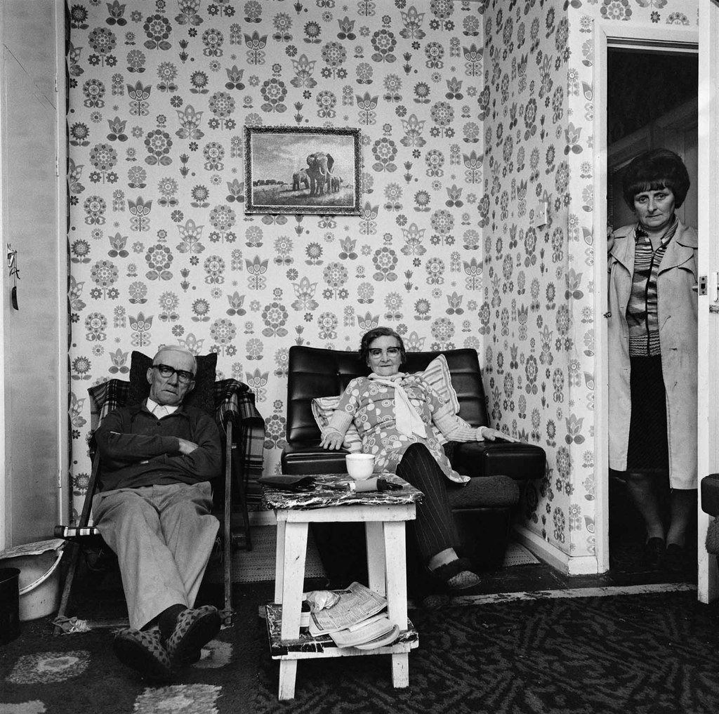 Jean Barron with parents Stanley and Margaret wilson, 1980 © Sirkka-Liisa Konttinen