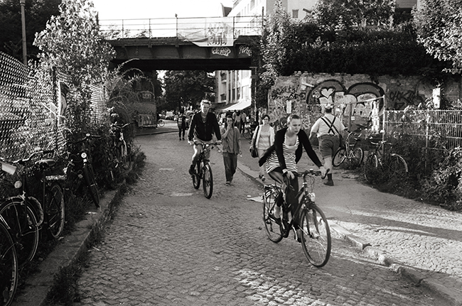 Kreuzberg, Berlin; Leica MP 0.58, 35mm Summicron, Kodak Tri-X © Doug Kim
