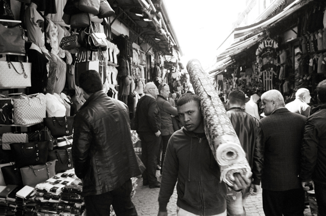 Grand Bazaar, Istanbul, Turkey; Leica MP 0.58, 35mm Summicron, Kodak Tri-X © Doug Kim