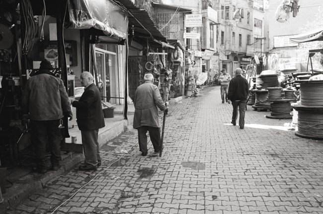 Karaköy, Istanbul, Turkey; Leica MP 0.58, 35mm Summicron, Kodak Tri-X © Doug Kim