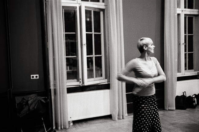 Flamenco Class, Kraków, Poland; Leica MP 0.58, 35mm Summicron, Kodak Tri-X © Doug Kim