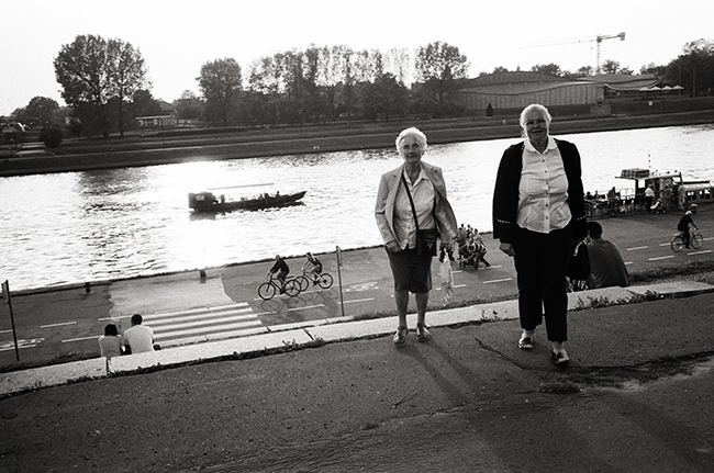 Vistula, Kraków, Poland; Leica MP 0.58, 35mm Summicron, Kodak Tri-X © Doug Kim
