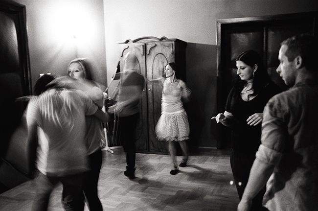 Samba Class, Kraków, Poland; Leica MP 0.58, 35mm Summicron, Kodak Tri-X © Doug Kim