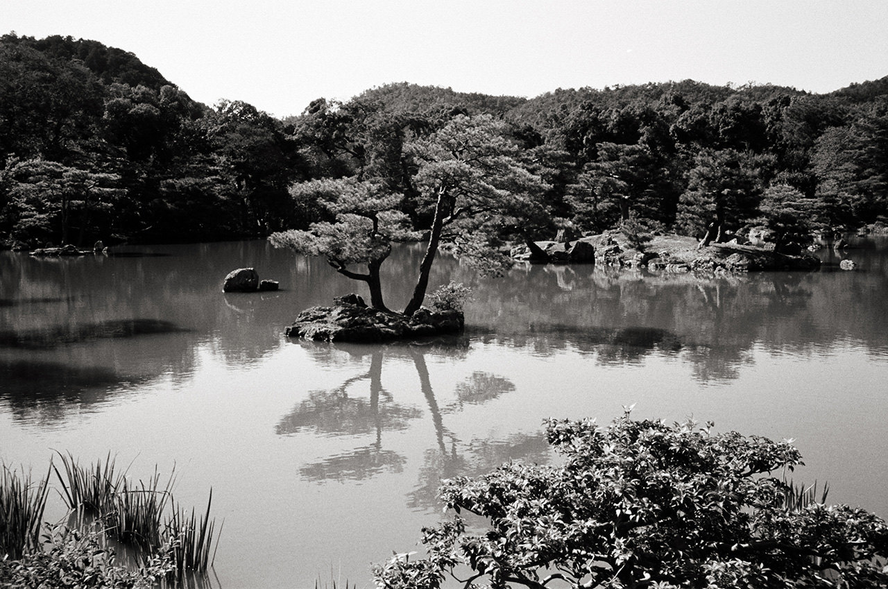 Kyoto, Japan; Leica MP 0.58, 35mm Summicron, Kodak Tri-X © Doug Kim