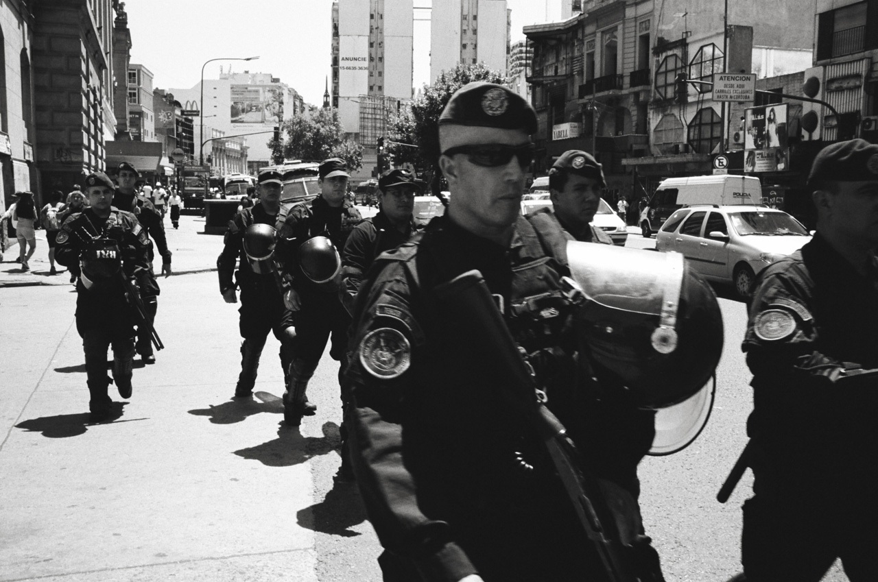 Buenos Aires, Argentina; Leica MP 0.72, 35mm Summilux, Kodak Tri-X © Doug Kim Riot Police, Police, Documentary, Urban, Downtown Buenos Aires