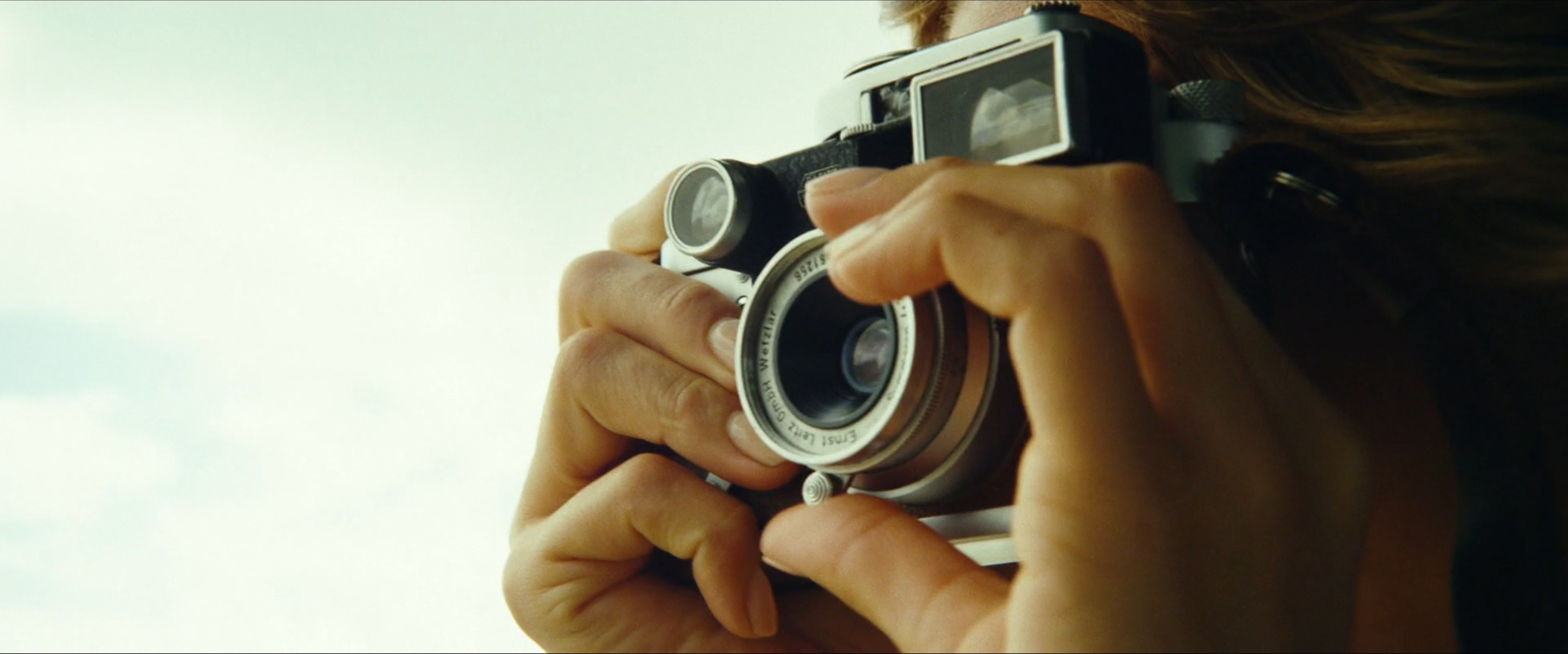 Brie Larson using an M3 with a 35 f3.5 Summaron with removable goggles and an MR meter in Kong: Skull Island (2017)